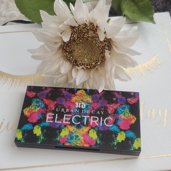 Urban Decay Other - ELECTRIC URBAN DECAY PALETTE